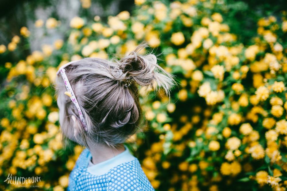 Kind mit selbstgenähter Ottobre Design Jacke aus Lillestoff