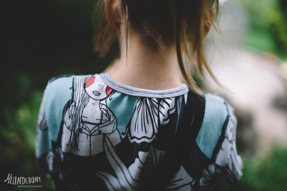 """Detailansicht der Einfassung am Hals aus Lillestoff """"Fresh"""" welcher von Bernadette Burnett designed wurde"""